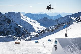 Freestyle skier in the snow park
