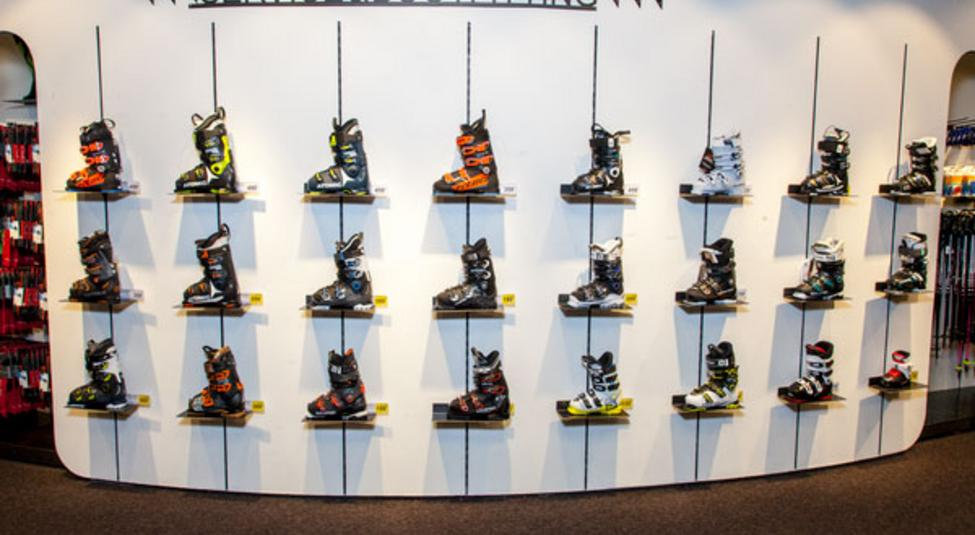 Ski boot selection at the Intersport shop in the Gamsgarten mountain station on the Stubai Glacier