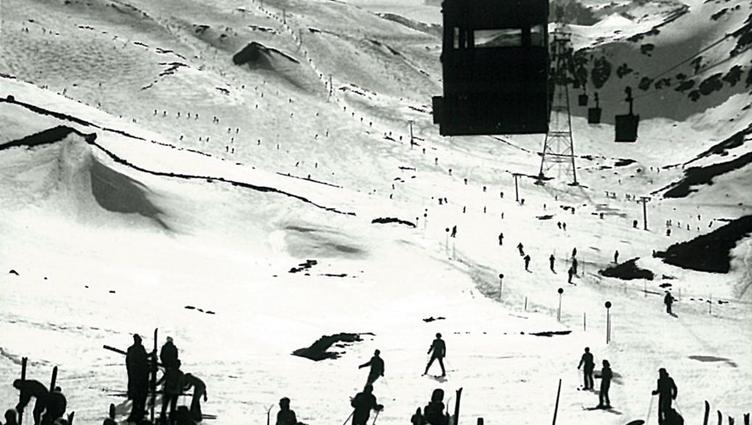 Old picture of the developments on the Stubai Glacier 1968 to 1979